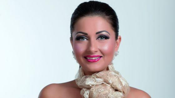 Gabriela Cristea s-a nascut la Oltenita pe 26 octombrie 1974