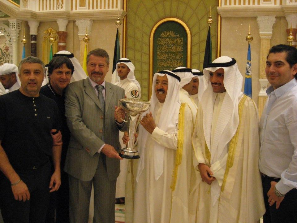 Alaturi de Ion Marin si emirul de Kuweit | foto: facebook