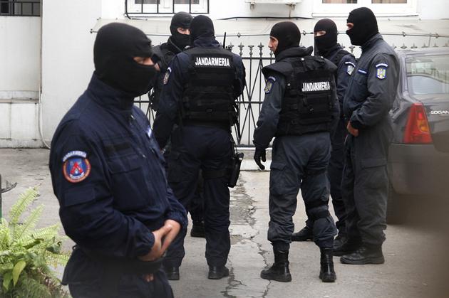 Au fost emise 86 de mandate de aducere, suspectii urmand a fi audiati la DIICOT Calarasi | foto: zf.ro