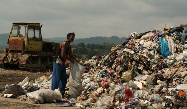 Asa arata candva si groapa de gunoi a Oltenitei | foto: ecomagazin.ro