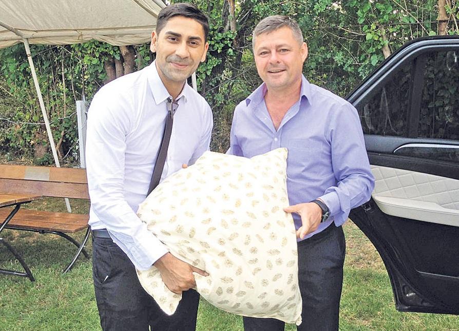 Connect-R a primit perna de la primarul oraşului Lehiu Gară, Iulian Iacomi