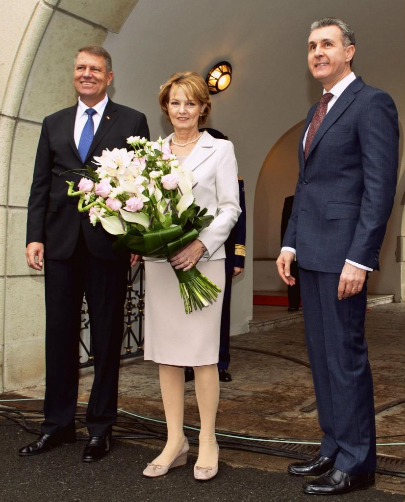 Ieri, la Palatul Elisabeta, presedintele Kaus Iohannis a  avut o întâlnire emoționantă cu Majestatea Sa Regele Mihai I și cu Altețele Lor Regale Principesa Moștenitoare Margareta și Principele Radu.